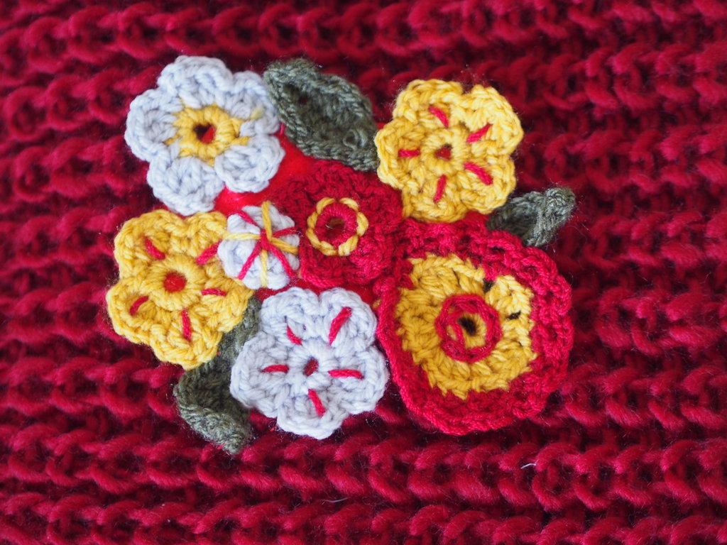 Pannello decorativo spilla fiori bocciolo e foglie misti - Pannello decorativo design ...