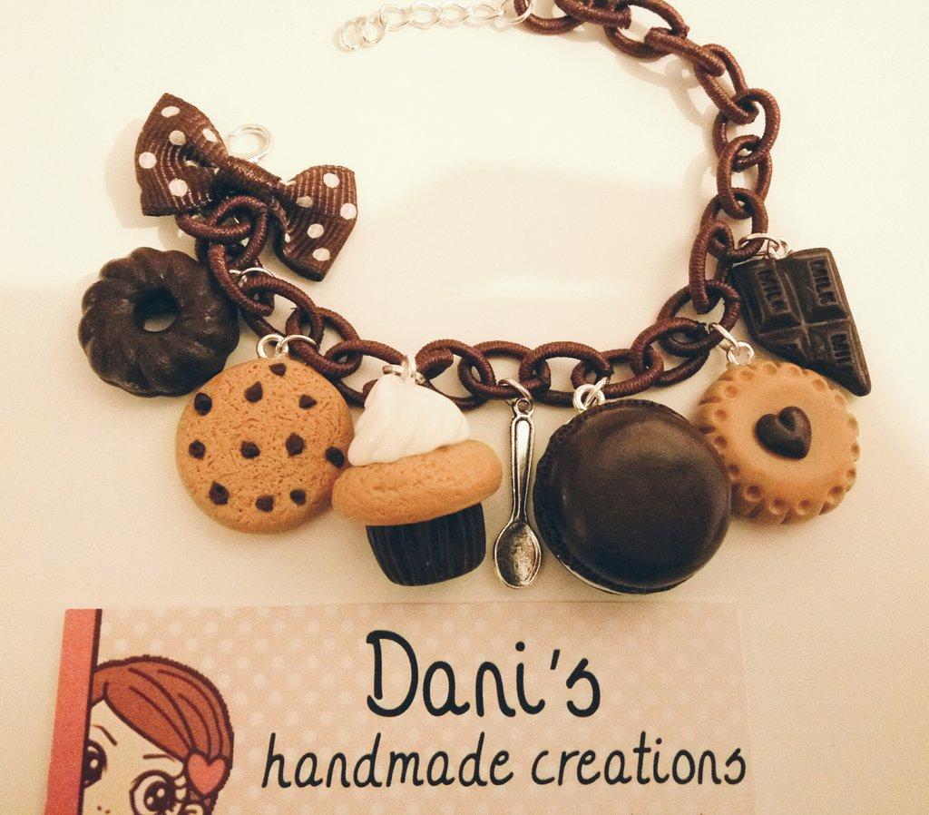 Bracciale dolci e biscotti al cioccolato