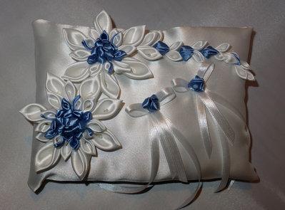 Cuscino portafedi  con colore azzurro