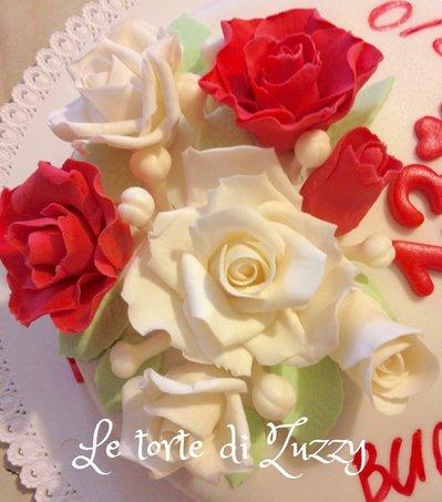 Fiori in pasta di zucchero per torte