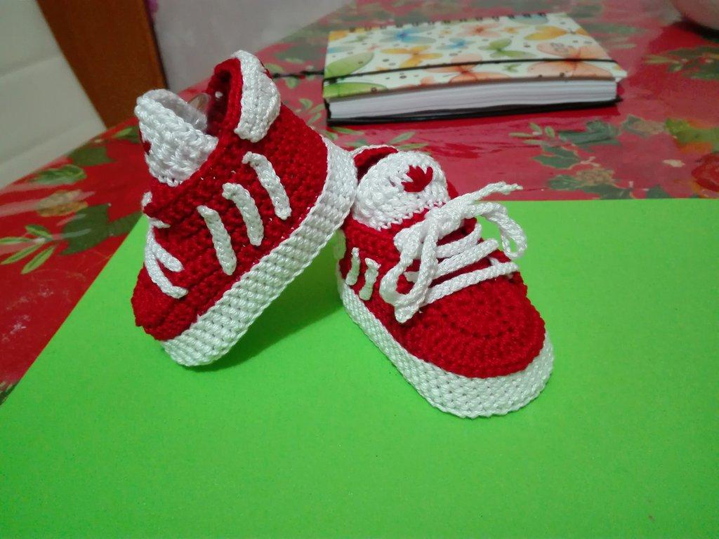 Adidas scarpine uncinetto handmade neonato Bambini