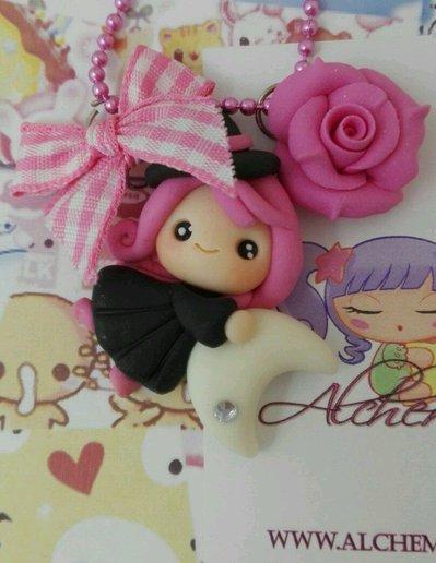 Collana con strega befana porta fortuna fimo rosa luna lolita wicca magia regalo