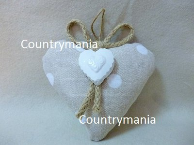 bomboniera a forma di cuore con stoffa a pois