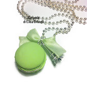Collana Macaron verde pastello con catena lunga in fimo