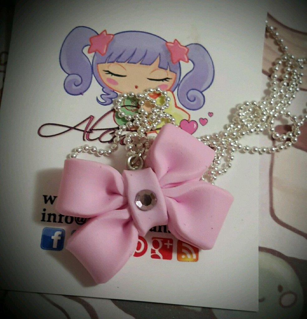 Collana fiocco bow lolita rosa tiffani in FIMO pastel goth Alchemian Lolita