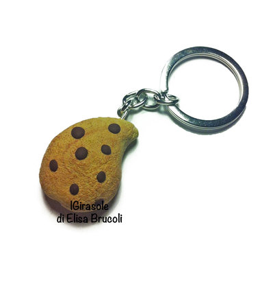 Portachiavi biscotto con gocce di cioccolato in pasta polimerica fimo