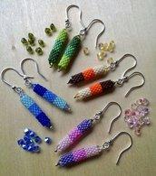 Orecchini pendenti di perline tubetto peyote