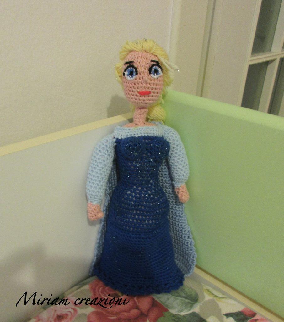 La Principessa Elsa dei Frozen ( amigurumi)