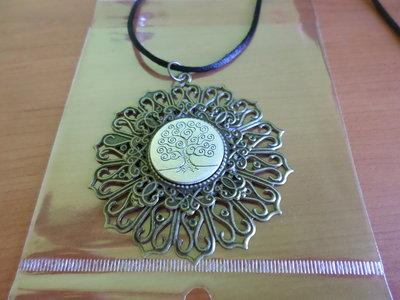 collana ciondolo bronzo ed argento con disegno albero