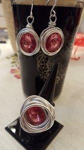 Anello regolabile in alluminio con cristallo rosa intenso