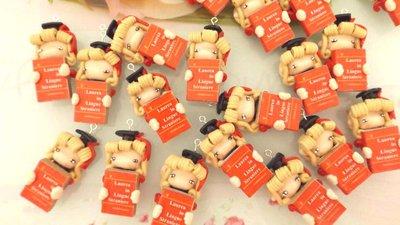 BOMBONIERA LAUREA - FOLLETTA CON TESI DI LAUREA  porta confetti- scatola confetti - sacchetto confetti FIMO