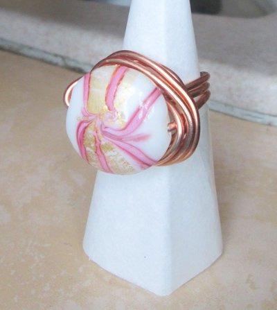 Anello wire in filo ramato con pietra piatta colorata