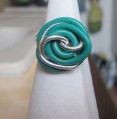 Anello wire in filo argentato e verde fatto a mano