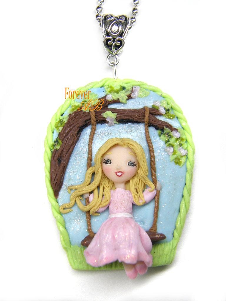 Collana bambolina su altalena doll fimo necklace idea regalo clay