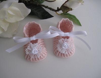 Scarpine rosa tenue/bianco neonata nascita battesimo cerimonia fatte a mano cotone idea regalo uncinetto