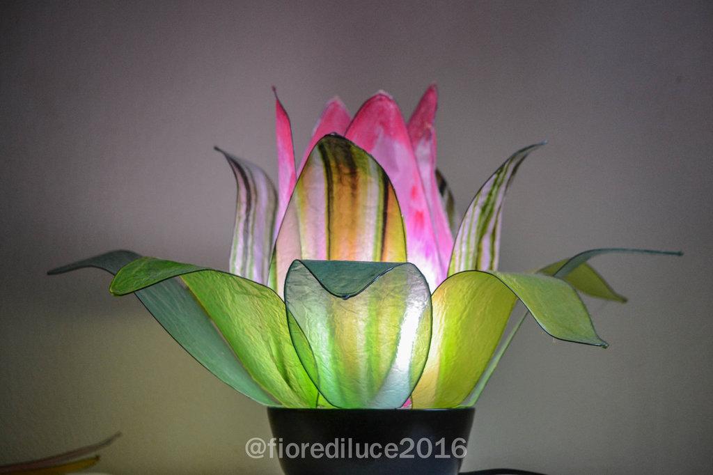 """Lampada da tavolo """"Fiore del Lago"""" / spedizione gratuita"""
