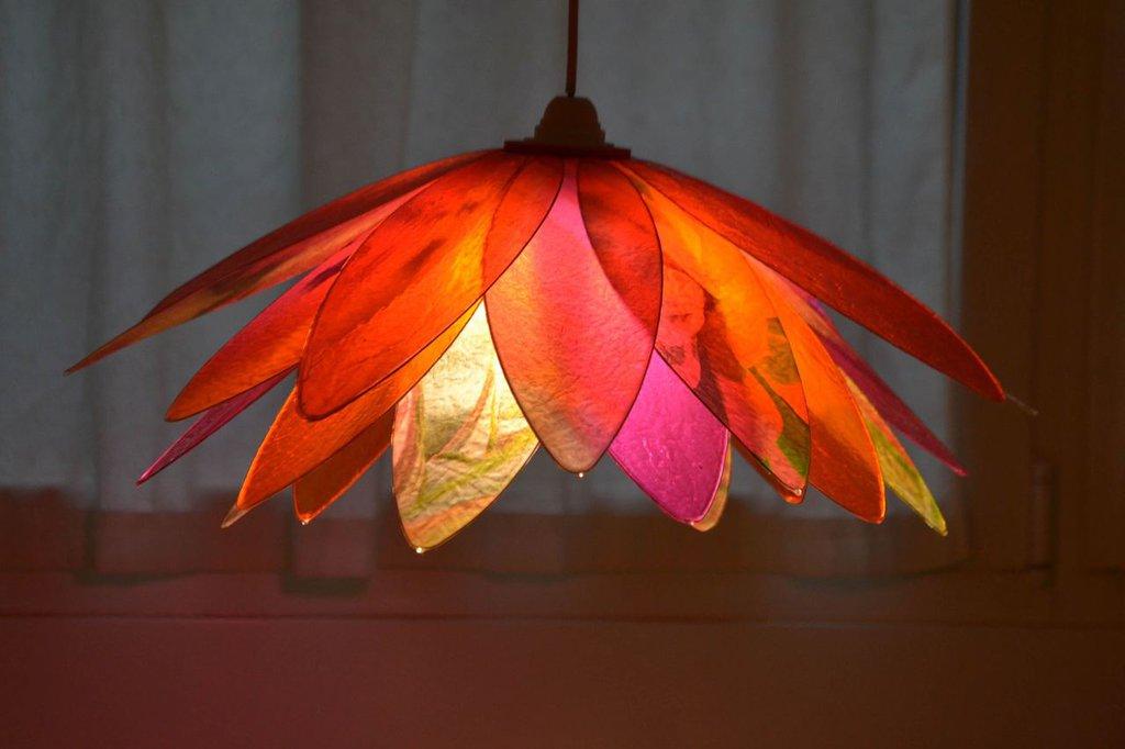 lampadario fiore rosso piccante