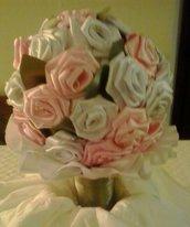 Mazzo di rose bicolore in raso