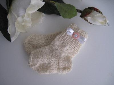 Calzini neonata panna/fiore rosa fatti a mano idea regalo corredino nascita battesimo lana ferri