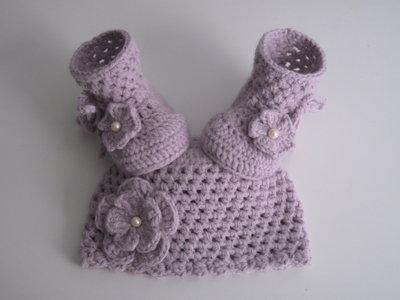 Set coordinato lilla cappello + scarpe neonata fatto a mano idea regalo nascita corredino uncinetto
