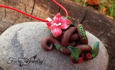 Collana sigillo elfico  pasta polimerica cuoio rosso regolabile