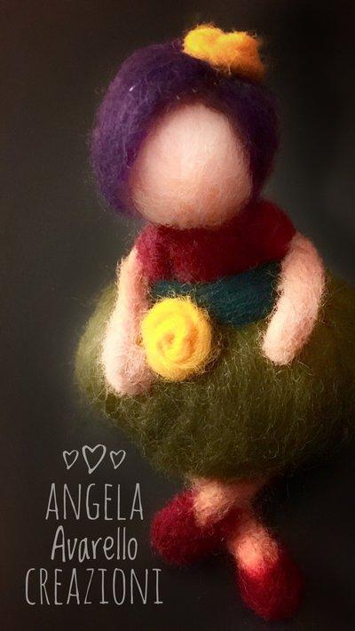 Bambolina, lana cardata, feltro ad ago