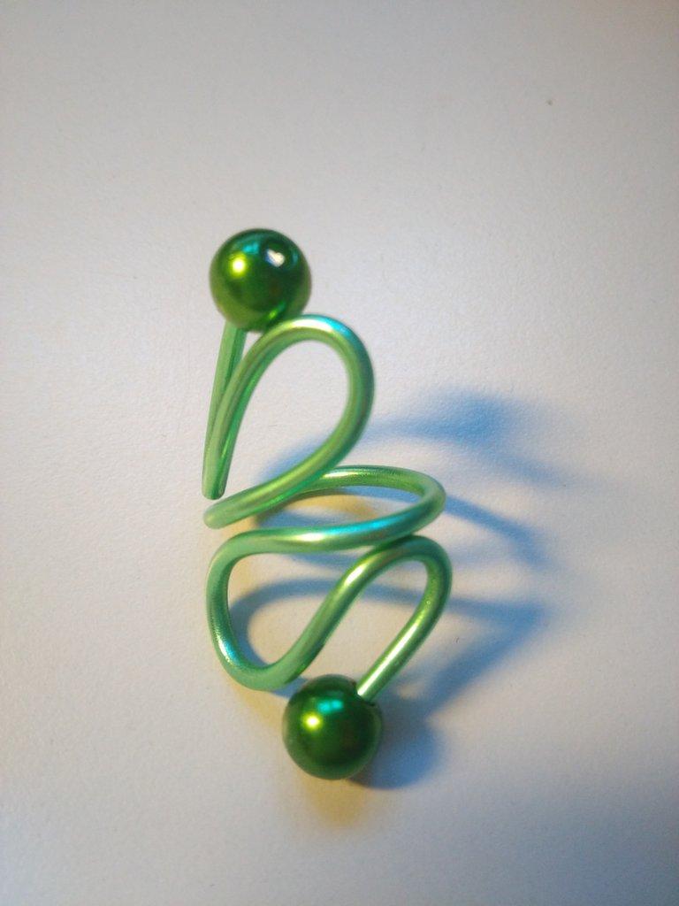 Anello in verde tecnica Wire con filo metallizzato