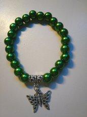 Braccialetto verde con pendente a farfalla