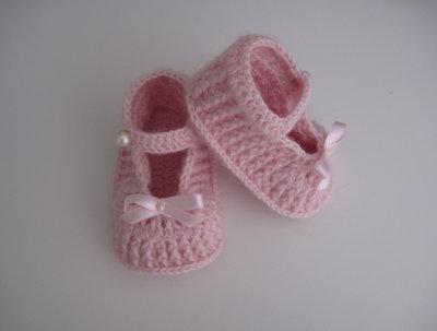 Scarpine scarpette rosa neonata lana fatte a mano idea regalo corredino nascita battesimo cerimonia uncinetto