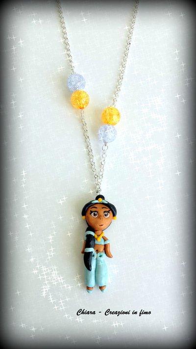 Collana con ciondolo in fimo fatto a mano con Jasmine di Aladdin kawaii idee regalo compleanno bomboniera