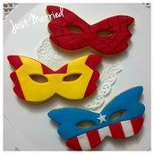 biscotti decorati, maschere di carnevale a tema Avengers