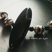 Collana/Girocollo con maxi bottone vintage e perle su cavo di acciaio