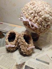 completino scarpette e cappellino neonata
