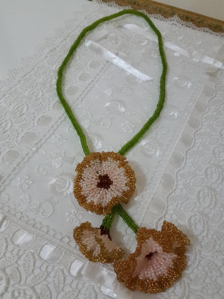 Collana fiore del mattino