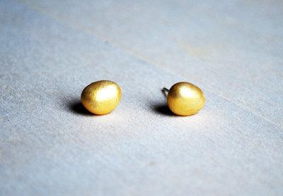 Orecchini pietra laccati oro