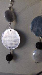 Orecchini in alluminio con pietra lavica
