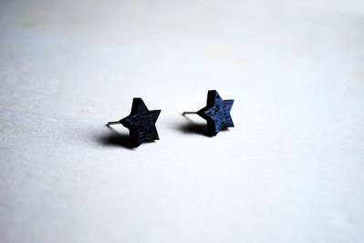 Orecchini a lobo stella nera