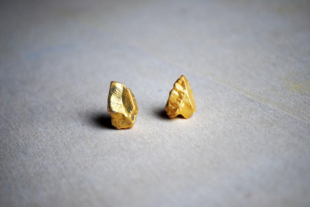 Orecchini pepita oro, pietra laccata oro, orecchini a lobo