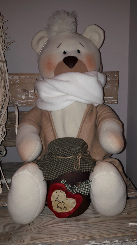 un' orsa timidissima per grandi e piccini vi presento: Gigiona l'orsetta tenerona