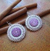 Orecchini tondi, cerchio, madreperla viola, lavanda, orecchini pendenti, embroidery