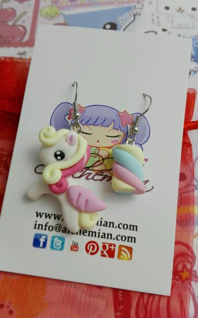 Orecchini pony marshmallow,unicor,kawaii style FIMO,by Alchemian