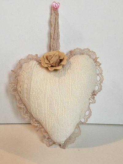 Idea regalo San Valentino-Cuore imbottito con pizzo vintage francese e rosa