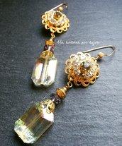 Orecchini con bottoni gioiello vintage