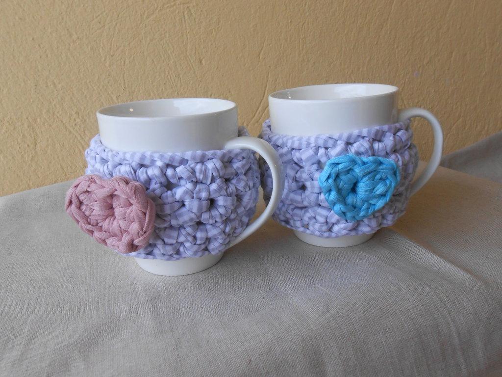 Coppia di tazze con copritazze in fettuccia ,idea regalo san valentino.
