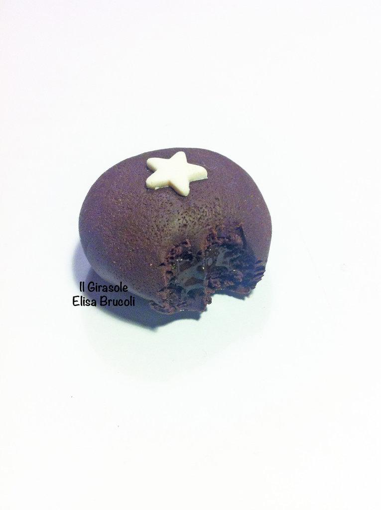 Calamita Mooncake al cioccolato con stella di zucchero in pasta polimerica fimo