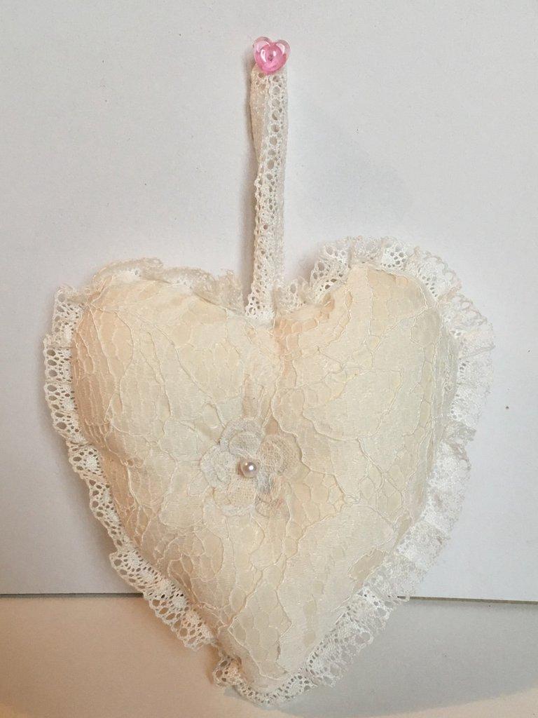Cuore per San Valentino- Delicato cuore di pizzo bianco