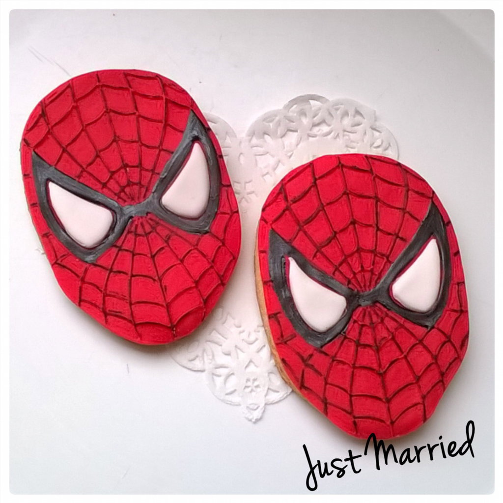 biscotto decorato a tema Spiderman