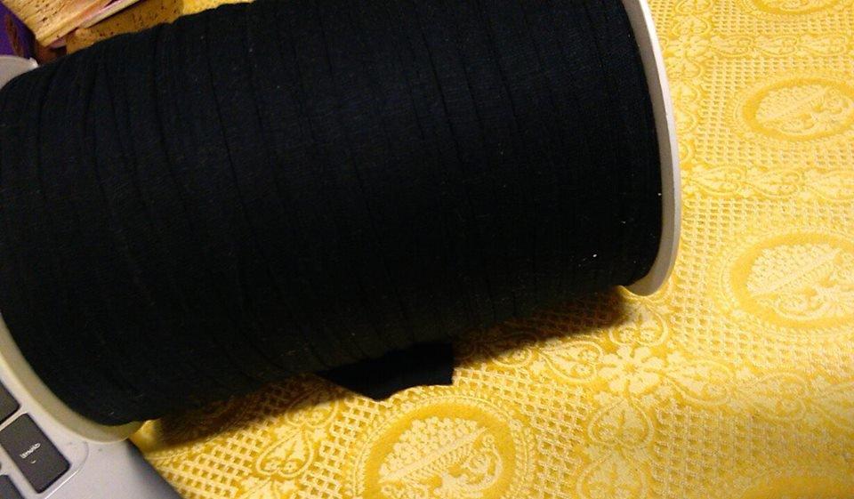 fettuccia in licra nera