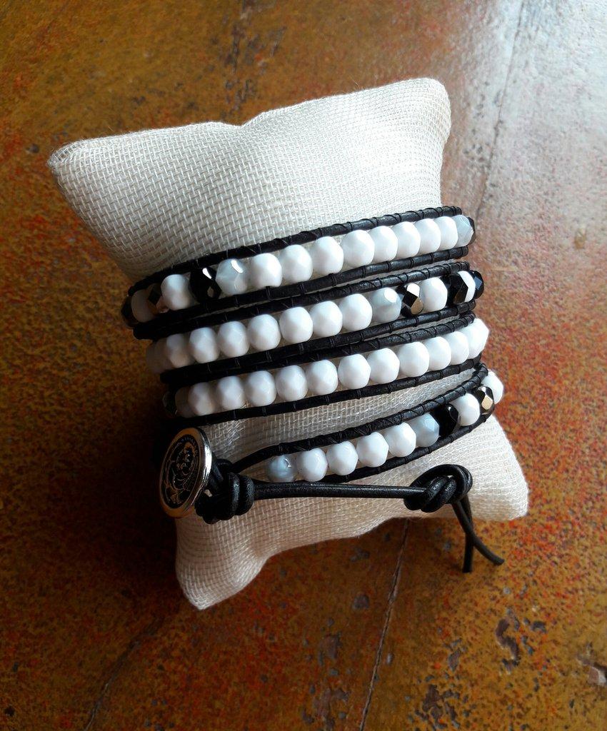 Bracciale in cuoio, wrap bracelet, chan luu Style, bianco nero grigio acciaio, per lei