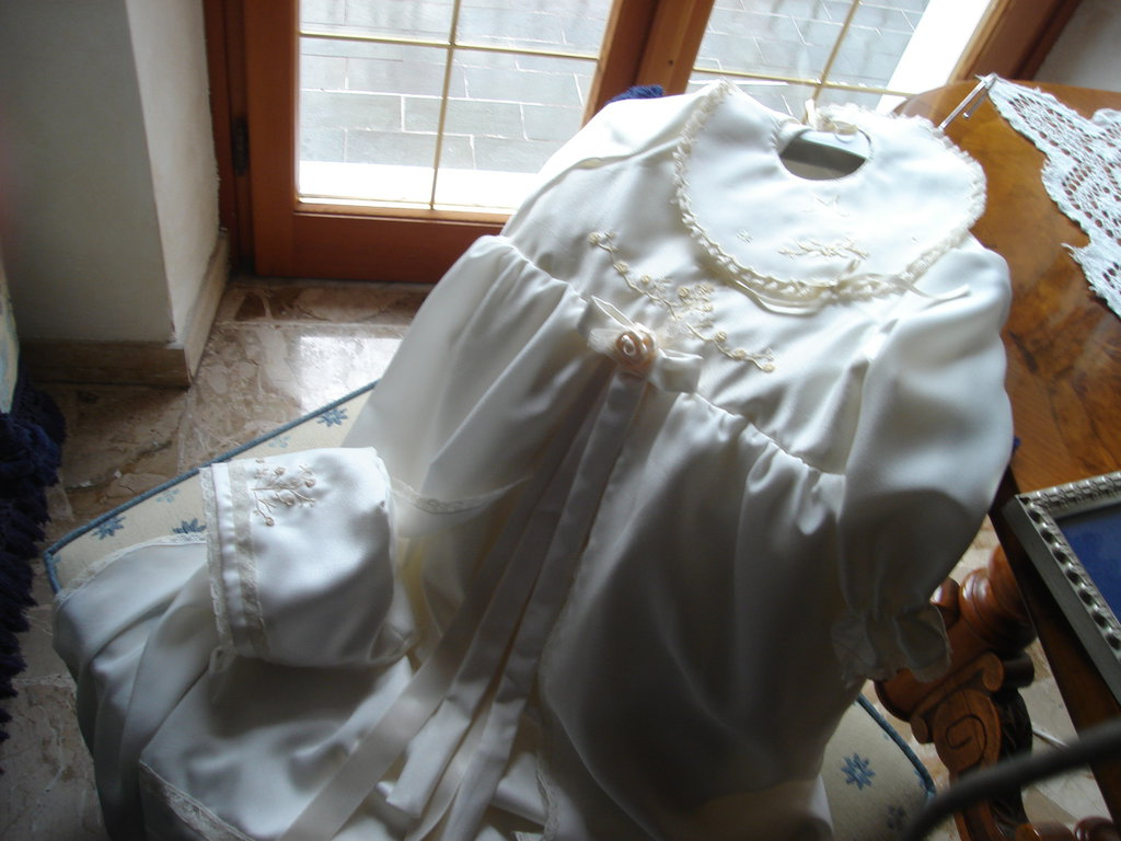 Vestitino Battesimo creato a mano